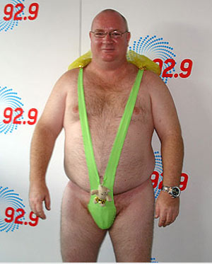 http://tizona.files.wordpress.com/2008/03/careys_mankini.jpg