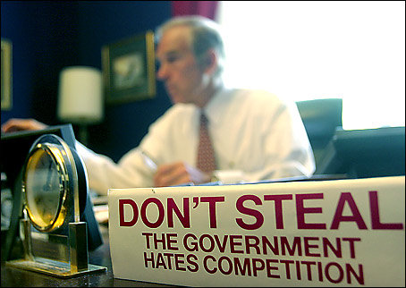 ron_paul_desk